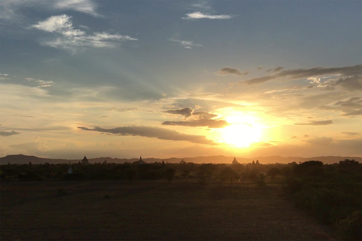 On the man-made viewing mound you can see sunset and I could see the sun and an overview of Bagan for free.